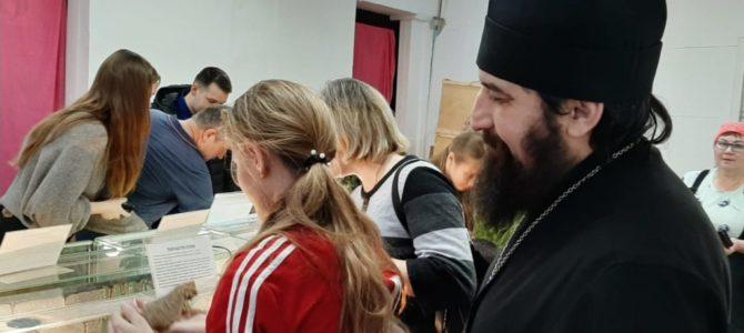 Воспитанники Воскресной школы Петропавловского храма города Камбарки посетили выставку животных